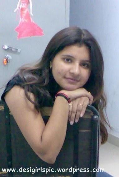 Mumbai School Girl Photo  Indian And Pakistani Desi Girls -9299